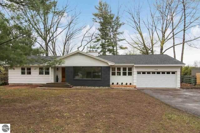 559 Bloomfield Road, Traverse City, MI 49686 (MLS #1886695) :: Michigan LifeStyle Homes Group