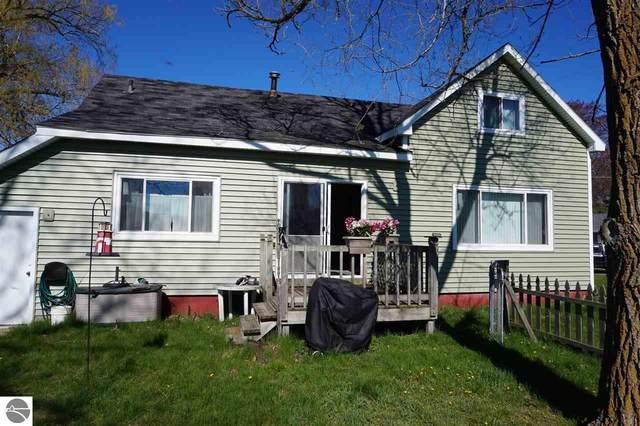 318 North Avenue, Tawas City, MI 48763 (MLS #1886928) :: Boerma Realty, LLC
