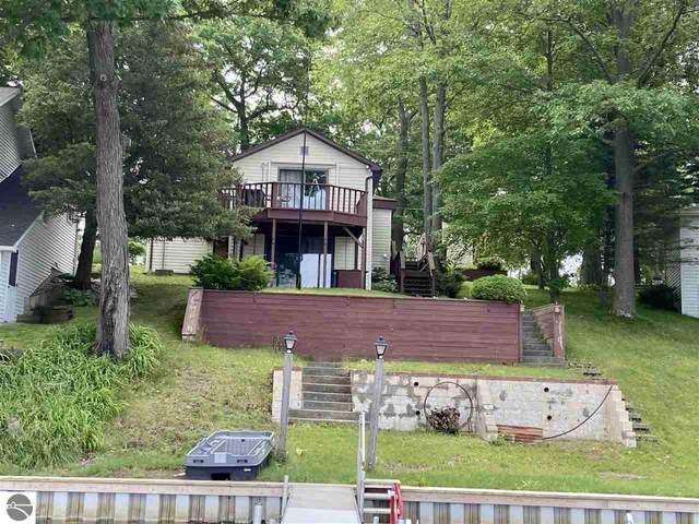 190 Hillcrest Drive, Lake, MI 48632 (MLS #1889535) :: Brick & Corbett