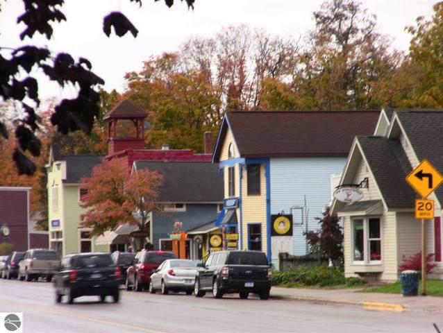 2300 Jacobson Road, Suttons Bay, MI 49682 (MLS #1890962) :: Boerma Realty, LLC