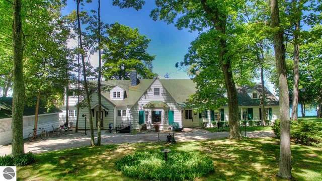 29 N Manitou Trail, Lake Leelanau, MI 49653 (MLS #1844360) :: Michigan LifeStyle Homes Group