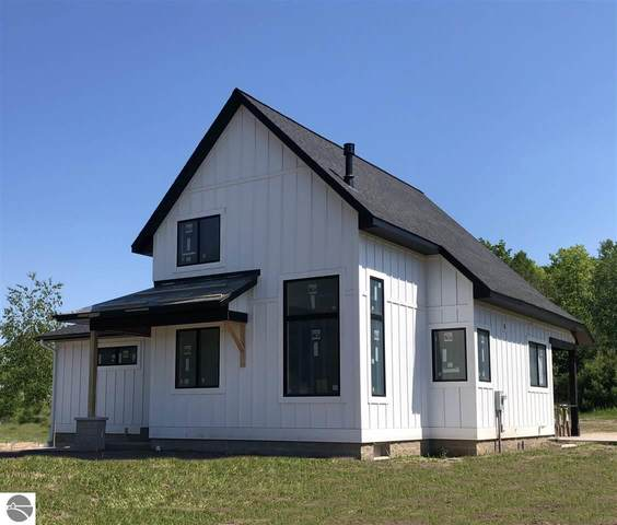 10627 Ora Lee Lane #5, Suttons Bay, MI 49682 (MLS #1867531) :: Brick & Corbett