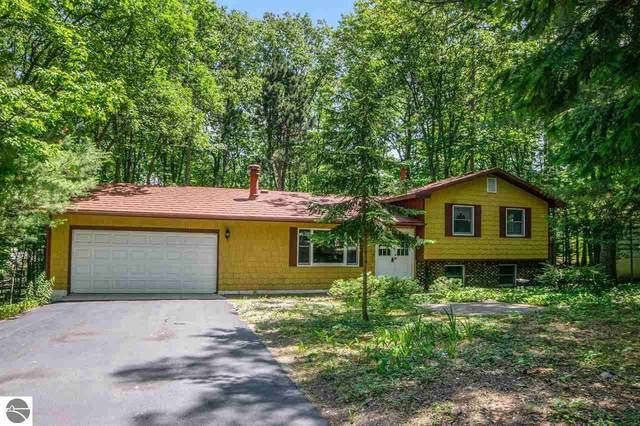 4324 Baywood, Traverse City, MI 49686 (MLS #1876678) :: Michigan LifeStyle Homes Group
