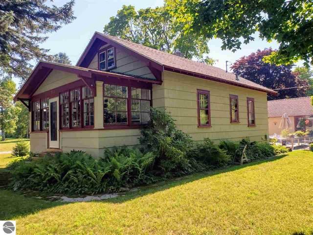 755 Washington Avenue, Elberta, MI 49628 (MLS #1877754) :: Michigan LifeStyle Homes Group
