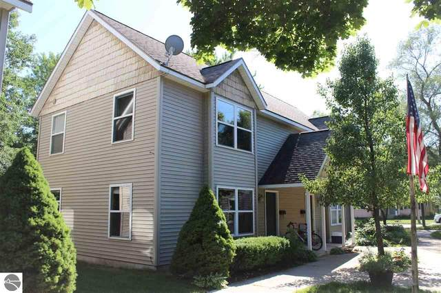 319 S Garfield Avenue, Traverse City, MI 49686 (MLS #1877814) :: CENTURY 21 Northland