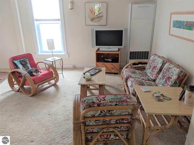1047 Michigan Avenue, Benzonia, MI 49616 (MLS #1878080) :: Michigan LifeStyle Homes Group