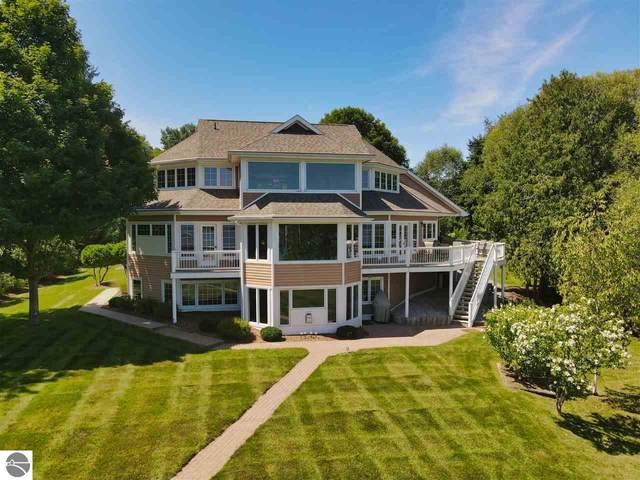561 S Lake Shore Drive, Lake Leelanau, MI 49653 (MLS #1878286) :: Michigan LifeStyle Homes Group