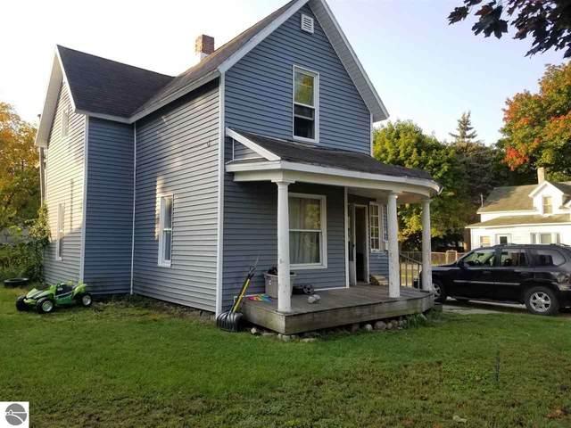 218 E River Street, Cadillac, MI 49601 (MLS #1880305) :: Brick & Corbett