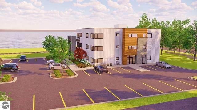 225 E Seventeenth Street 2-B, Traverse City, MI 49684 (MLS #1881735) :: Boerma Realty, LLC