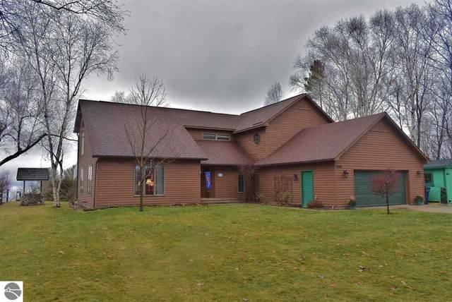 15591 Upper Birch Drive, Traverse City, MI 48686 (MLS #1883500) :: Boerma Realty, LLC
