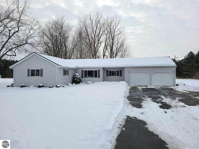 6421 N Winans Road, Alma, MI 48801 (MLS #1884329) :: Team Dakoske | RE/MAX Bayshore