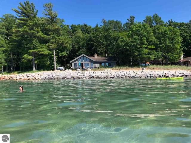 946 S Manitou Trail, Lake Leelanau, MI 49653 (MLS #1870533) :: Michigan LifeStyle Homes Group