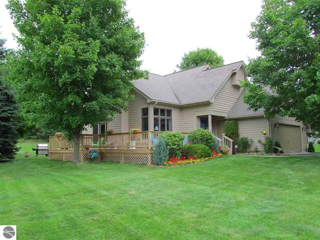 1274 Martin Drive, Frankfort, MI 49635 (MLS #1876630) :: Michigan LifeStyle Homes Group