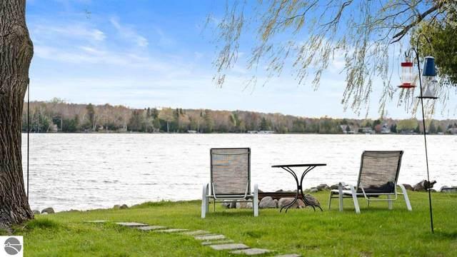 497 N Twin Pines Drive, Lake Leelanau, MI 49653 (MLS #1886660) :: Michigan LifeStyle Homes Group