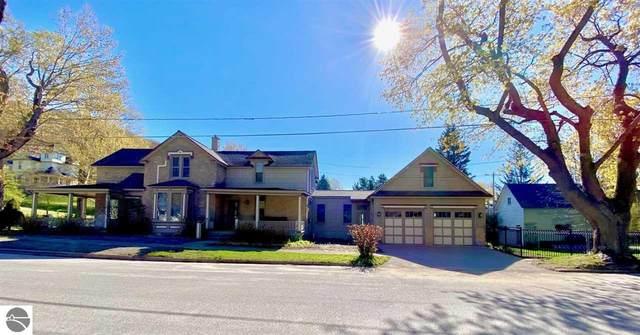 202 Leelanau, Frankfort, MI 49635 (MLS #1886834) :: Michigan LifeStyle Homes Group