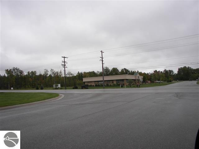 45 Hughes Drive #2, Traverse City, MI 49686 (MLS #1845145) :: Team Dakoske | RE/MAX Bayshore