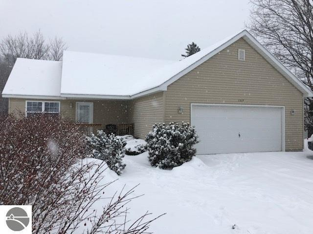 1319 Smith Road, Traverse City, MI 49696 (MLS #1856639) :: Team Dakoske | RE/MAX Bayshore