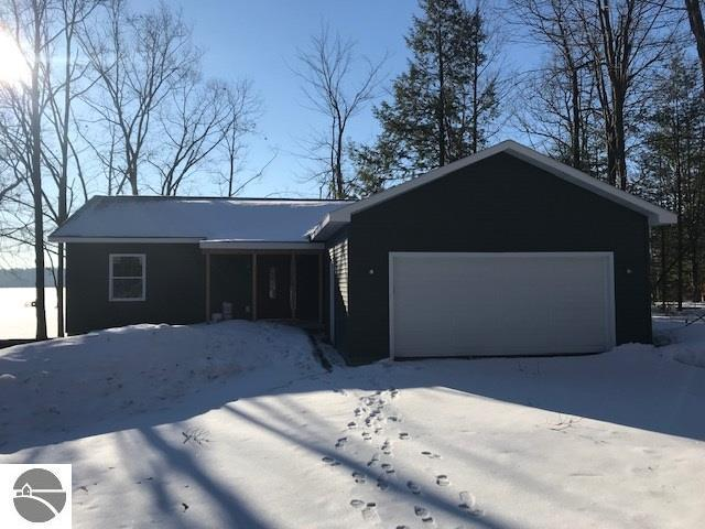 10473 Wildwood Drive, Interlochen, MI 49643 (MLS #1858215) :: Team Dakoske | RE/MAX Bayshore