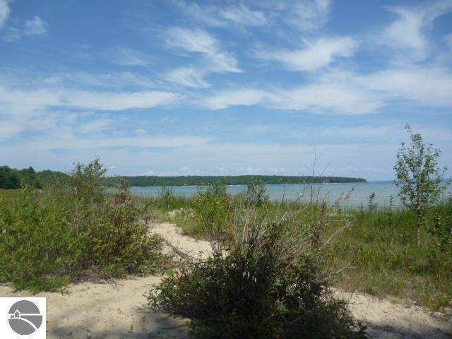 000 N West Bayshore Drive, Suttons Bay, MI 49682 (MLS #1868555) :: Team Dakoske | RE/MAX Bayshore