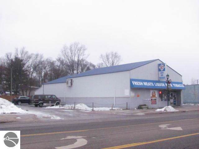 125 Mesick Avenue, Mesick, MI 49668 (MLS #1870362) :: Boerma Realty, LLC