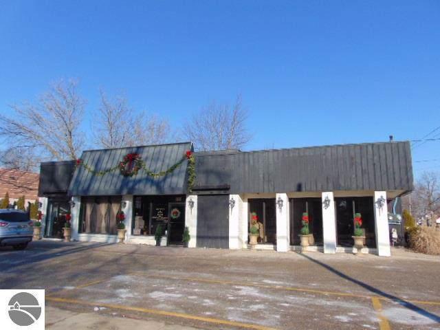 529 E Center, Ithaca, MI 48847 (MLS #1870696) :: Team Dakoske | RE/MAX Bayshore
