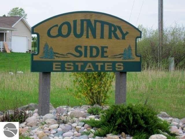 4611 Choice Circle, Traverse City, MI 49684 (MLS #1871296) :: CENTURY 21 Northland