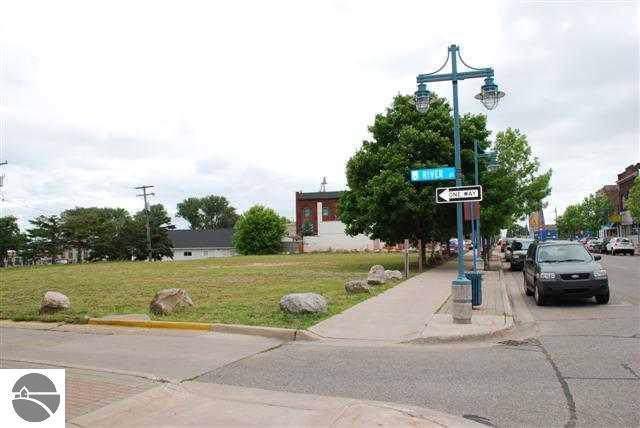 118 W Portage, Sault St Marie, MI 49783 (MLS #1871351) :: Boerma Realty, LLC