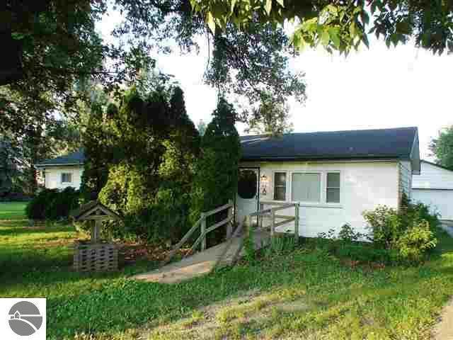 418 Newton Street, Middleton, MI 48856 (MLS #1871848) :: Boerma Realty, LLC