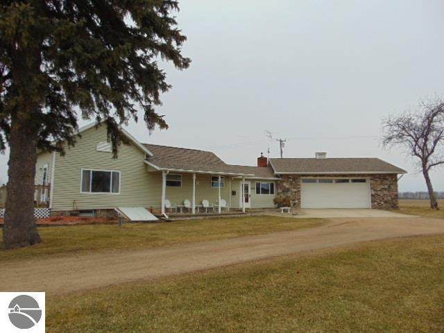 2871 E Roggy Road, Ithaca, MI 48847 (MLS #1873021) :: Boerma Realty, LLC