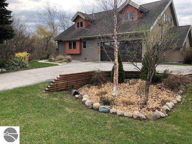 4151 Summerhill, Traverse City, MI 49684 (MLS #1874182) :: Michigan LifeStyle Homes Group