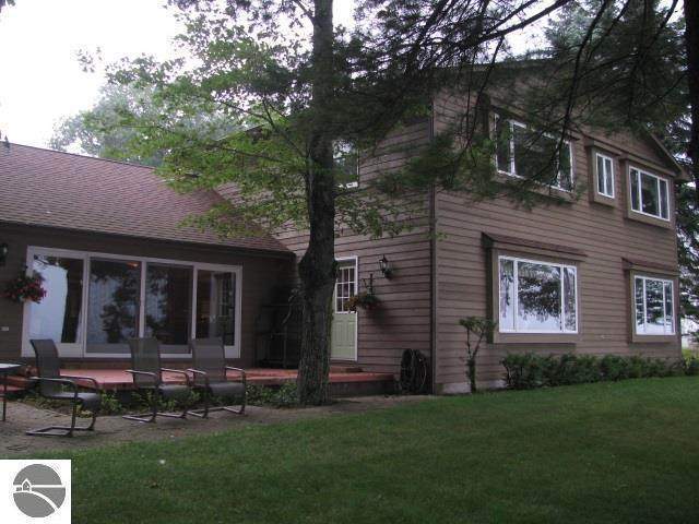 1151 Bay Drive, Tawas City, MI 48763 (MLS #1874675) :: Michigan LifeStyle Homes Group
