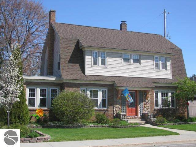 214 W Bay Street, East Tawas, MI 48730 (MLS #1874935) :: Michigan LifeStyle Homes Group