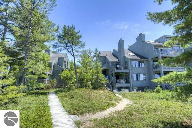 20 South Beach #20, Glen Arbor, MI 49636 (MLS #1875007) :: Team Dakoske | RE/MAX Bayshore
