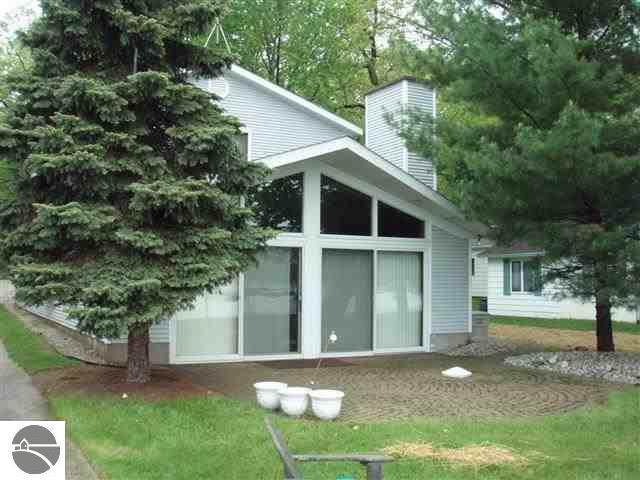 11141 North Shore, Lake, MI 48632 (MLS #1875085) :: Michigan LifeStyle Homes Group