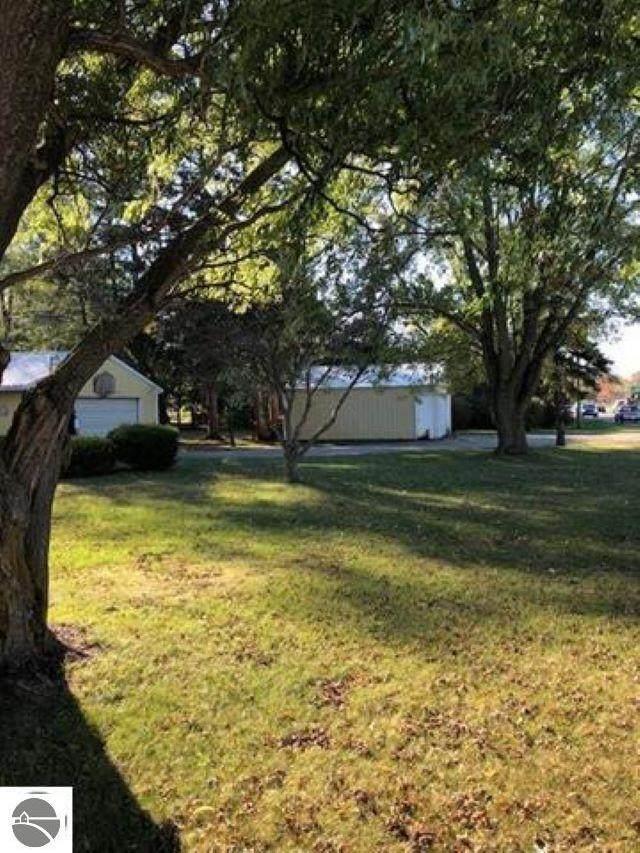 2255 S Isabella Road, Mt Pleasant, MI 48858 (MLS #1875131) :: Boerma Realty, LLC