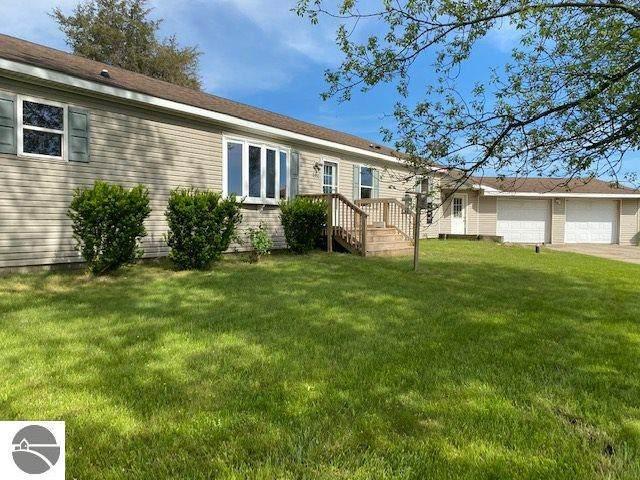 9992 S Green Road, Shepherd, MI 48883 (MLS #1875334) :: Boerma Realty, LLC