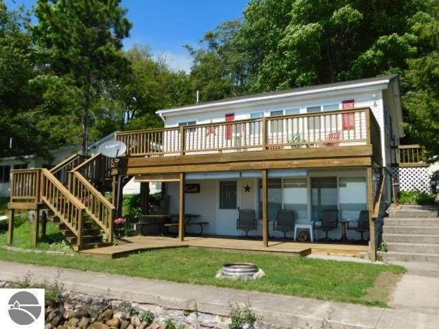 7695 Beach Street, Kalkaska, MI 49646 (MLS #1875761) :: Michigan LifeStyle Homes Group