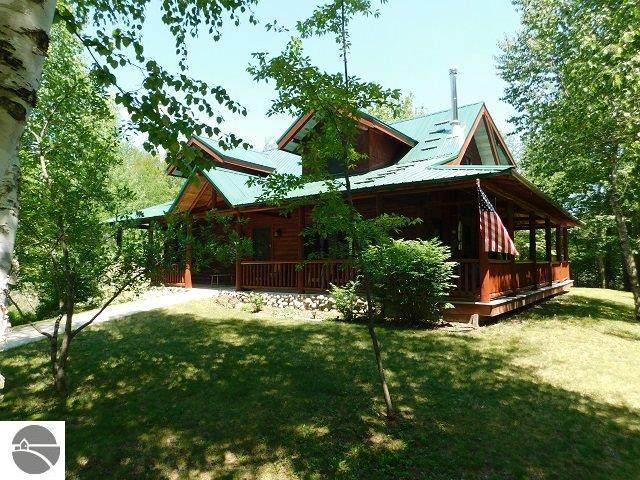 13990 NE Blue Haven Drive, Kalkaska, MI 49646 (MLS #1876072) :: Michigan LifeStyle Homes Group
