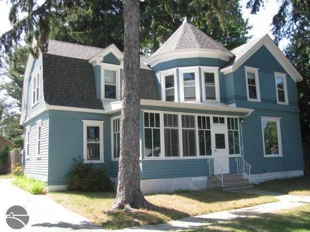 206 Seventh, Tawas City, MI 48763 (MLS #1876806) :: Michigan LifeStyle Homes Group