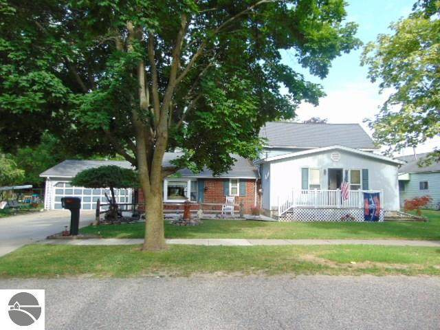 122 N Catherine Street, Ithaca, MI 48847 (MLS #1877309) :: Brick & Corbett