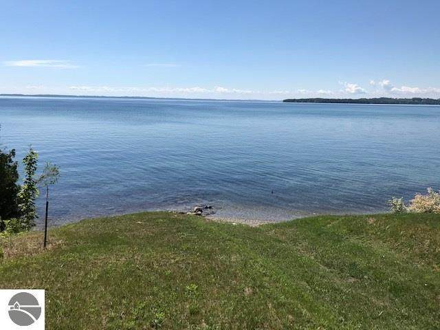 33FT N W Bay Shore Drive, Suttons Bay, MI 49682 (MLS #1879377) :: Team Dakoske | RE/MAX Bayshore