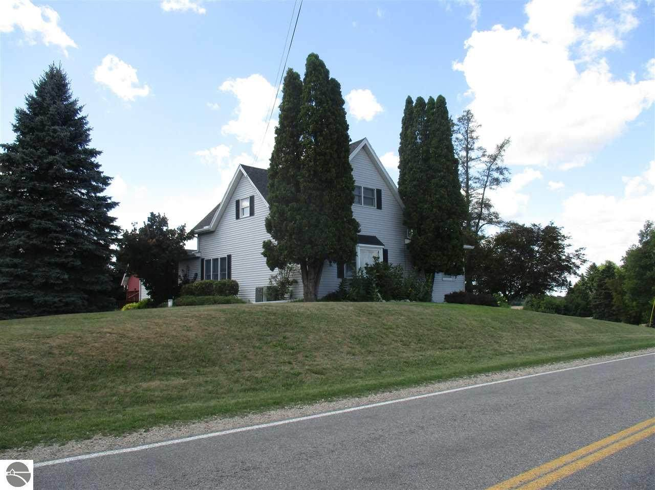 6873 Neff Road - Photo 1