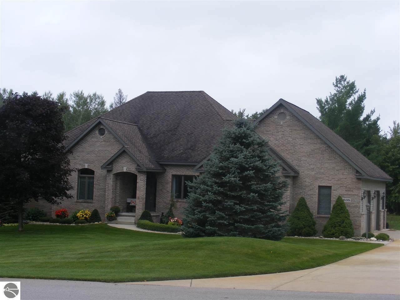 635 White Pine Drive - Photo 1