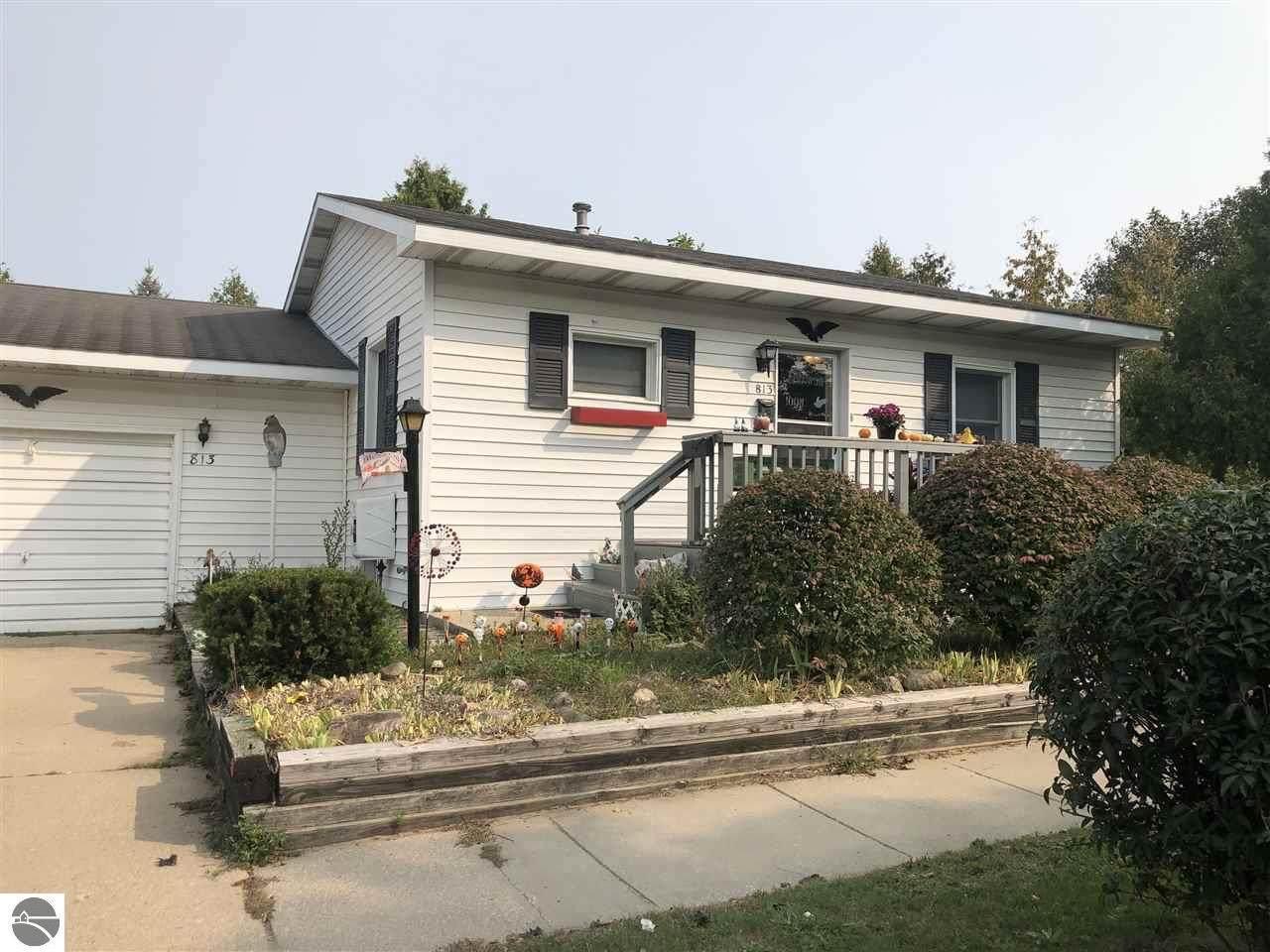 813 Illinois Street - Photo 1