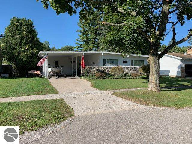 713 W Lincoln Street, East Tawas, MI 48730 (MLS #1880114) :: Brick & Corbett