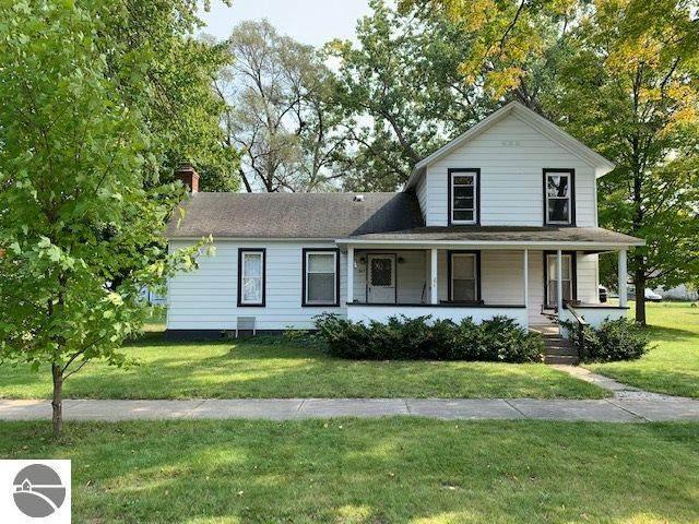207 S Cherry, Kalkaska, MI 49646 (MLS #1880209) :: Michigan LifeStyle Homes Group