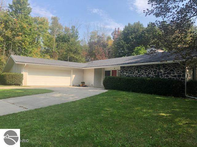 3176 Saint Andrews Drive, Mt Pleasant, MI 48858 (MLS #1880740) :: Michigan LifeStyle Homes Group