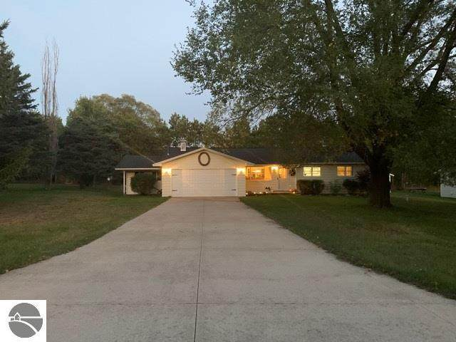7386 Meadow Lane, Bellaire, MI 49615 (MLS #1881482) :: Michigan LifeStyle Homes Group