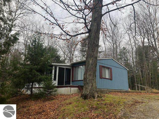 10835 N Shore Drive, Northport, MI 49670 (MLS #1882206) :: Boerma Realty, LLC