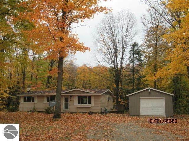 20066 Linwood Trail, Lake Ann, MI 49650 (MLS #1882222) :: Boerma Realty, LLC
